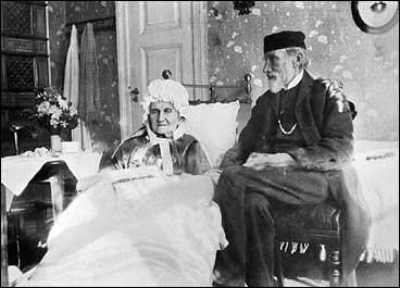 David Egenæs saman med kona Anna Wilhelmine Uchermann Nitter på sine eldre dagar kring år 1900. (Foto © Fylkesarkivet)