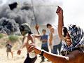 Greit å kaste stein.(Foto: Reuters/Ahmed Jadallah)