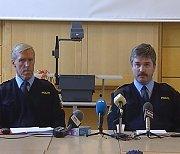 Fra politiets pressekonferanse søndag. Trond Garberg (tv. og John Bjøraas.