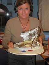 Anne, sånn passe fornøyd etter et måltid fra NRK-kantina. Hun lover at denne retten blir bedre.