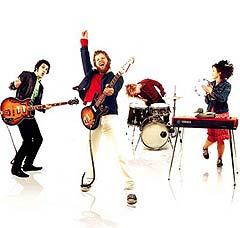 """Moby liker flere norske band enn Röyksopp. I sitt eget MTV-program har han også spilt videoen """"So The Circus Is Back In Town"""" av norske Cato Salsa Experience."""