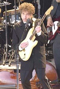 Bob Dylan på torget i Trondheim. Foto: All Over Press / Getty Images.