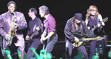 Bruce Springsteen åpnet sin Europa-turne i Paris mandag. Her under konserten i Las Vegas 18. August. Foto: Scott Harrison / Getty Images.