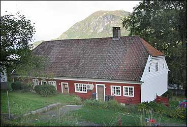 Lovisendal sett frå oppsida. (Foto: Arild Nybø, NRK)