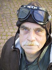 Geir Hovig gjør Hovigs Hangar tilgjengelig også på CD. Foto: NRK.