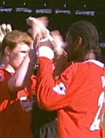Riise og Salif Diao fikk pipekonsert på Anfield.
