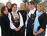 Jentene som la frem arbeidsoppgaven er fra venstre: Kathrine Andersen, Line Ekanger, Hege Johnrud, Annicken Bøckman, Anette Westrum, Anne-Lise Bakken og Kjersti Engebretsen.