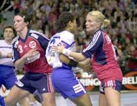 Både Mia Hundvin og Katja Nyberg har overbevist i åpningen av femnasjoners-turneringen.