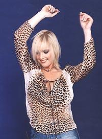 """Nicole Lacy fikk store overskrifter da manageren Ian Gold kjøpte mistenkelig mange eksemplarer av singelen """"Dancing on a Tuesday"""" i platebutikker i Oslo. Foto: Playground."""
