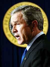 President Bush på pressekonferansen i kveld. Foto: Win McNamee, Reuters