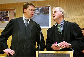 Trygve (t.v.) og Tor Erling Staff i lagmannsretten i dag. (Foto: Knut Fjeldstad, Scanpix)