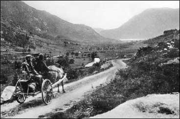 Utsyn over Brekkebygda frå Toregjerdhaugen i 1910. På denne tida hadde Brekke på ny blitt eigen kommune. (Foto © Fylkesarkivet)