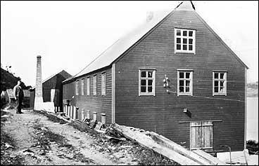 Fabrikken ved Dingja i 1935. (Foto © Fylkesarkivet)