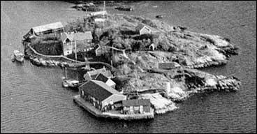 Skjerjehamn under krigen. Biletet er teke eit par år etter av Otto Schreuder døydde. (Foto © Fylkesarkivet)