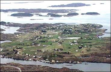 Byrknesøy i 1996. (Foto: Steinar Lote, NRK)