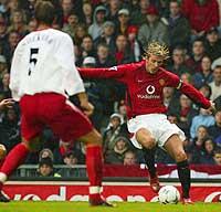 Beckham ble trolig skadd i kampen mot Southampton 2.11. (Foto: Reuters/Peter Macdiarmid)