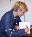 Hun har signert endel bøker i det siste, Beate Grimsrud...