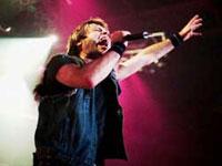 Bruce Dickinson og Iron Maiden dekker den enorme etterspørselen til Oslo Spektrum-konserten 2. juli med å sette opp en ekstrakonsert dagen etter.