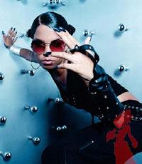 Ms Dynamite føler seg snytt av Robbie. Foto: Promo.