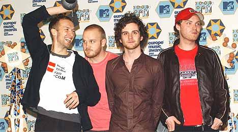 Coldplay fikk prisen for Beste Britiske Artist under MTV Europe Music Awards forrige uke. Chris Martin sier han såvidt hilste på Röyksopp. Foto: Carlos Alvarez / Getty Images