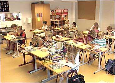 Leikanger barneskule. (Foto: Asle Veien, NRK)