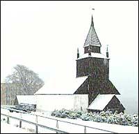 Leikanger kyrkje. (Foto: Steinar Lote, NRK)