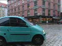 Denne mopedbilen må man nå ha førerkort til. Departementet har vedtatt nye regler fra 1. januar neste år.