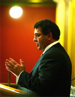 Finansminister Per-Kristian Foss mener budsjettet er bra. (Foto: Knut Falch, Scanpix)