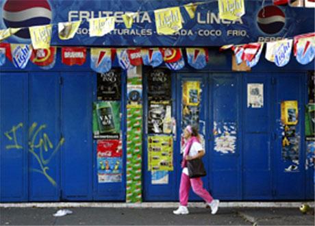 Det var stengte butikker over alt i Caracas i dag. (Foto: Kimberly White/Reuters)