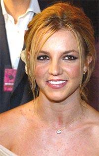 Britney Spears er lei av å se seg over skulderen. Foto: Frazer Harrison / Getty Images.