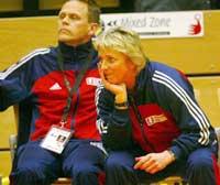Trenerduoen Marit Breivik og Thorir Hergiersson trenger ikke å være altfor nervøse under gruppespillet.