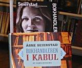 Åsne Seierstad innrømmer at hun har vært litt for intim.