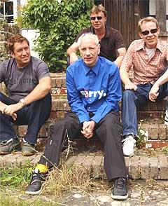 Det var manageren til Sex Pistols, Malcolm Mclaren, som fant på navnet til det engelske pønkebandet. Det var delvis inspirert av hans kones klesbutikk som het