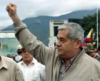 Fagforeningsleder Carlos Ortega krever at Chavez går av (REUTERS/Chico Sanchez )