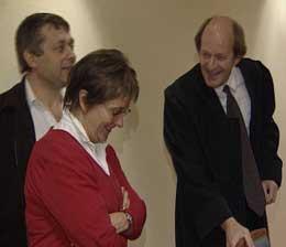 Magne og Anne Tveiten med advokat Winther Christensen.