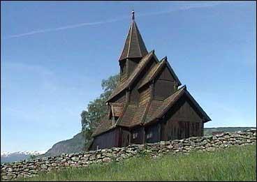 Urnes stavkyrkje er ei av stavkyrkjene i Sogn som framleis står. (Foto: Arne Eithun, NRK)