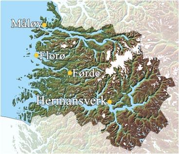 Sogn og Fjordane fylke har i 2002 tre byar, Måløy, Florø og Førde. Hermansverk er administrasjonsstad for fylkeskommunen. Bruk menyen til høgre for meir informasjon om kommunane. (Grunnlagskart © Statens Kartverk)