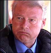 Carl I Hagen langer ut mot sin tidligere partikollega.