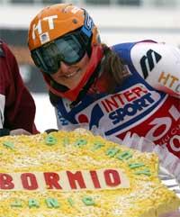 Janica Kostelic feiret sin 21-årsdag med seier i Bormio. Foto: Claudio Papi/Reuters