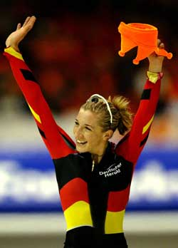 Anni Friesinger vant tre løp, og ble nummer to på 5000 meter. Foto: Reuters/Paul Vreeker