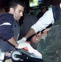 22 mennesker ble drept og over 100 ble skadet i bombeaksjonen i Tel Aviv søndag. (Reuters-foto)