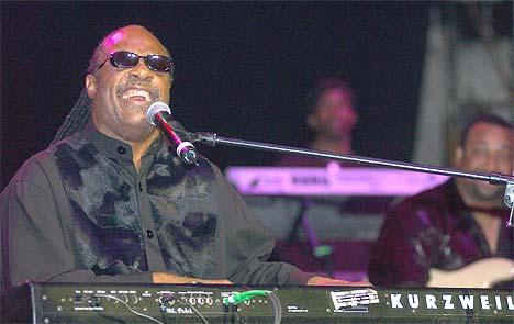 Stevie Wonder hadde en tung oppvekst, men ble et musikalsk vidunder. Foto: Lawrence Lucier / Getty Images.