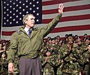 George W. Bush maner det amerikanske folk til kamp mot Irak. Bør vi invitere ham til Norge?