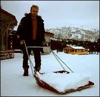 Rennleder Arild Monsen er glad for snøfallet det siste døgnet.
