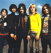 Musikken til Melody Club beskrives 80-tallsinspirert poprock, eller synthpop og pønkpop. Foto: Promo.