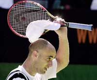 Agassi og har vært i kvartfinalen i 14 av de 16 siste Grand Slam-turneringene han har stilt opp i.