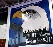 Plakat på amerikansk krigsskip som nå er i Persiabukta.
