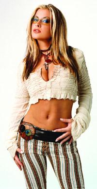 Anastacia skal opereres for brystkreft. Foto: Sony