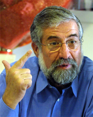 Leiaren i Arbeidarpartiet Amram Mitzna ser ut til å gjere eit dårleg val. (Reuters-foto)