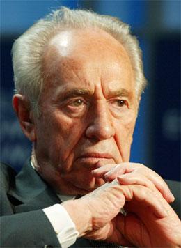 Ei meningsmåling viser at Arbeidarpartiet ville ha gjort det mykje betre med Shimon Peres som statsministerkandidat. (Foro: Monika Fluechiger, Reuters)